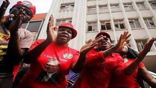 Video Morgan Tsvangirai's body arrives in Zimbabwe to a rapturous welcome download MP3, 3GP, MP4, WEBM, AVI, FLV Oktober 2018