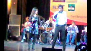 Ae mere hamsafar from Baazigar...Vinod Rathore sings at Kamani Auditorium New Delhi