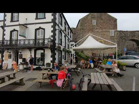 Walk around Caernarfon in Gwynedd, North Wales