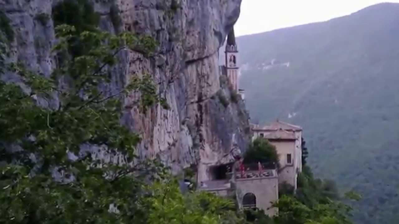Ferrara di monte baldo santuario madonna della corona 5 5 for Santuario madonna della corona