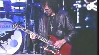 Black Sabbath - Fairies Wear Boots W/ Rob Halford on Vocals - Live 2004