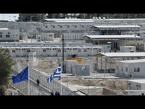 بالفيديو: أشبه -بالسجن المنعزل-  تعرف على أول مخيم -مغلق- لطالبي اللجوء في اليونان …  - 18:54-2021 / 9 / 18