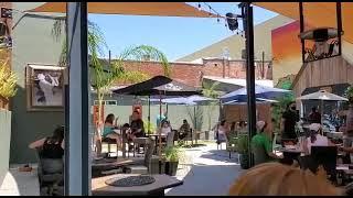 Restaurante & Cocktails LA SALLES en la Ciudad Chico, California, Estados Unidos