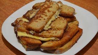Гренки с яйцом и молоком. /French toast with milk and eggs.