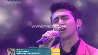 "Vidi Aldiano feat Vadi Akbar "" Cinta Untuk Mama "" - Mom And Kids Awards 2015 (22/12)"