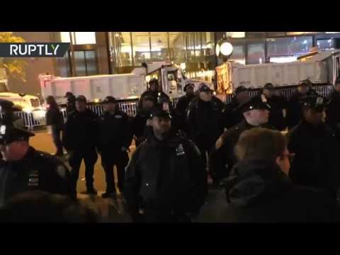 'Can't build a wall, hands too small!' - NYC anti-Trump protest (Streamed live)