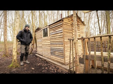 Off Grid Pallet Wood Cabin: Picket Fence Build & Woodstove Cooking