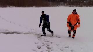 Полтава. Відпрацювання способів допомоги людям, які провалилися під лід