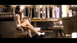 Kim Basinger en aviso publicitario para una campaña de Alto Palermo por los 20 años del shopping