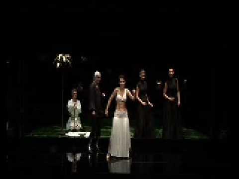 Olga Pasichnyk as Cleopatra sings Da tempeste