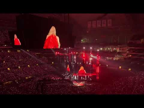 Taylor Swift and Sugarland - BABE 10/6/18
