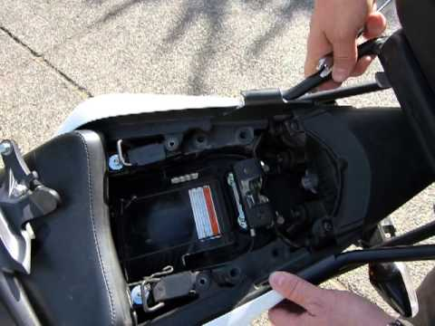 Mount A Top Case Holding Bracket 2011 14 Cbr125r Youtube
