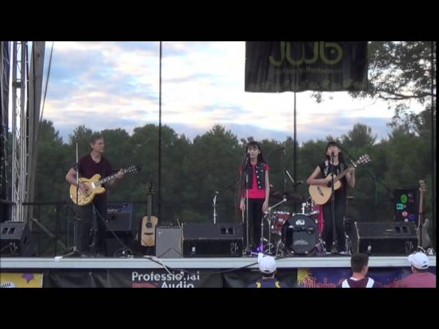 The Perry Sisters At Hanover Day 2014 Jet Airliner Chords Chordify