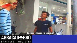 Magician VS Illegal Parking Attendants (Indonesia Social Problem) - abracadaBRO Best Magic Prank