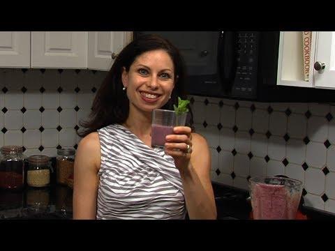 How To Make A Berry Smoothie | Dana-Farber Cancer Institute