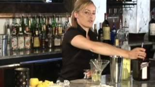 How To Mix The Italian Lemon Drop Cocktail