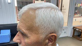Модельная мужская стрижка на светлый волос