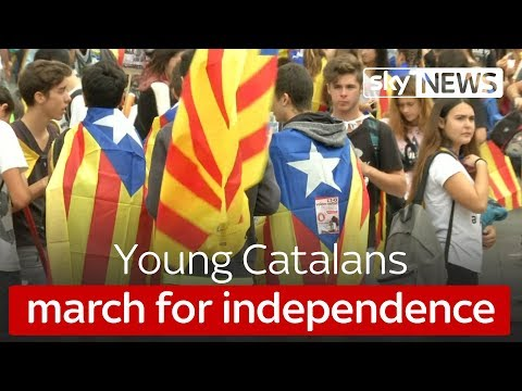 Young Catalans march for independence