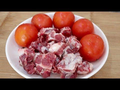 一斤排骨加五个西红柿,不用油不加水,出锅超鲜嫩,连汤汁都不剩