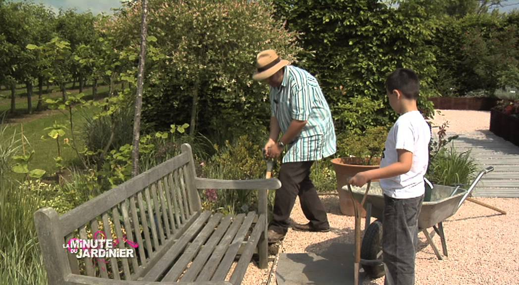 Conseil jardin planter une rose youtube for Conseil plantation jardin