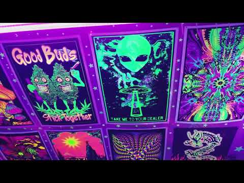 Trippy hippie Chill blacklight Neon room ultimate! Area 51!