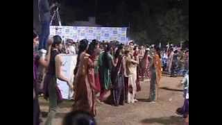 Gujarati Garba Song Navratri Live 2011 - Lions Club Kalol - Sarla Dave - Day-7 Part-9