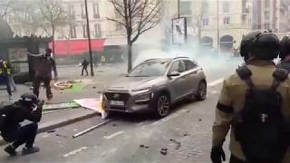 ACTE 18 PARIS GILETS JAUNES, Le Fouquets et Hugo Boss saccagés