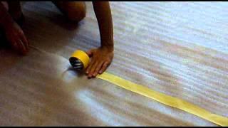 видео Подложка под линолеум на бетонный пол