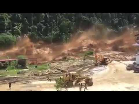Flash floods after dam burst, Nam Ao Dam, Phasai District, Xieng Khouang Province 11 September 2017