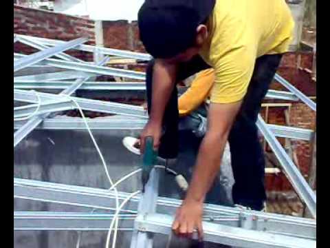 Pemasangan Sekrup Baja Ringan Cara Rangka Atap Part 3 Mp4 Youtube