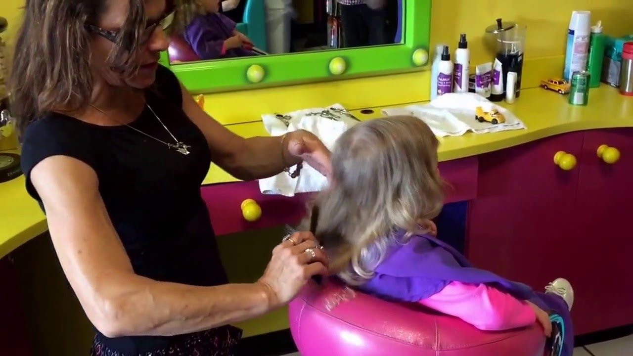 Rachels First Haircut At Snip Its Youtube