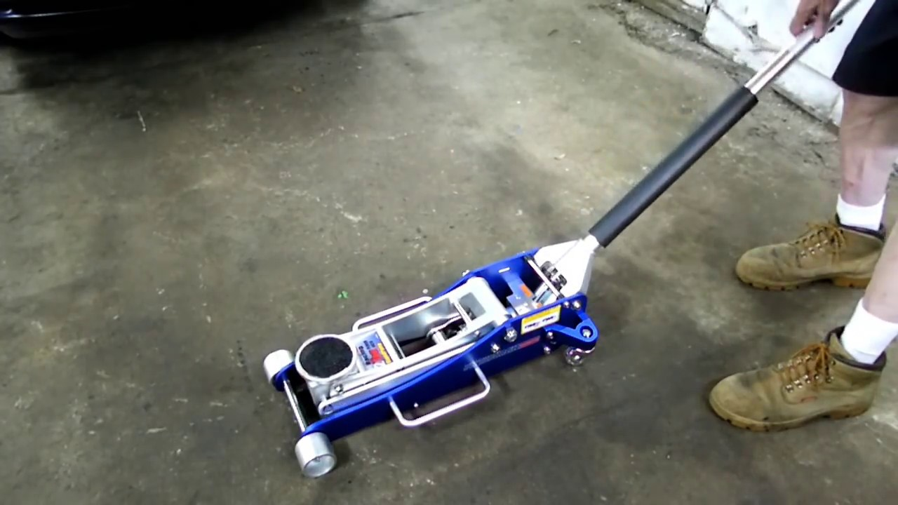 2 Ton Aluminum Racing Floor Jack Review Edit Youtube