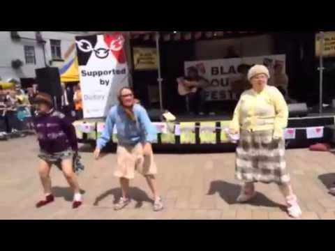 Fizzogs Facebook Phenomenon!!! Old Women Dancing