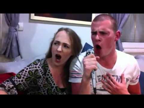 Tây hát karaoke tiếng Việt, thú vị vietinfo.eu