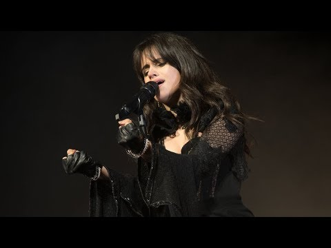 Camila Cabello | Havana (Acoustic) Holiday Hang