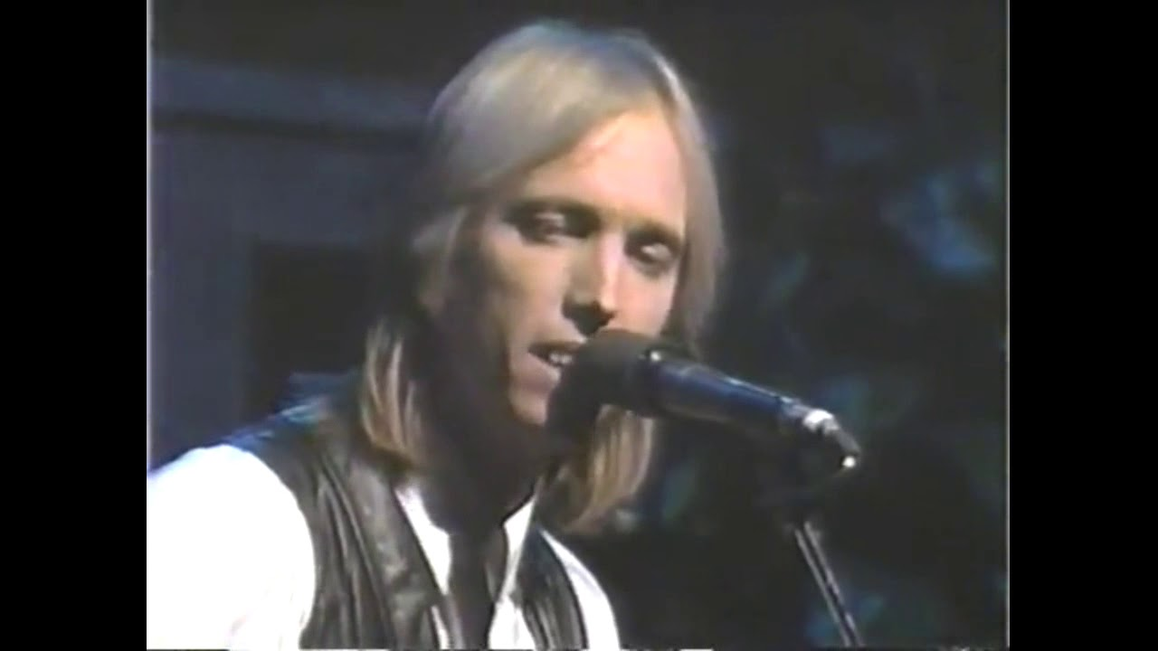 Download Tom Petty - The Waiting - It's Garry Shandling's Show (1987)