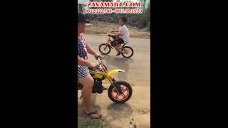 Cha con Hiếu Hiền test xe cào cào mini 50cc | WWW.ZAVAMART.COM