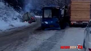 В масштабном ДТП на Чугуевском перевале приняли участие лесовоз, бензовоз и пассажирский автобус