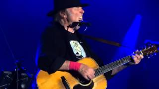 Neil Young & Crazy Horse - Heart of Gold + Human Highway + Blowin in the Wind - Biarritz 2013