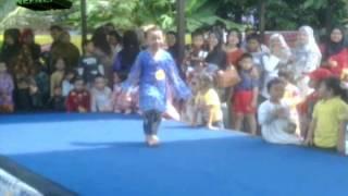 Model Cilik Ala Kartini 27 April 2013