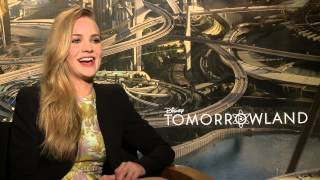 Disney's TOMORROWLAND: Britt Robertson on Working with Tim McGraw