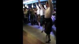Шотландские танцы в пабе
