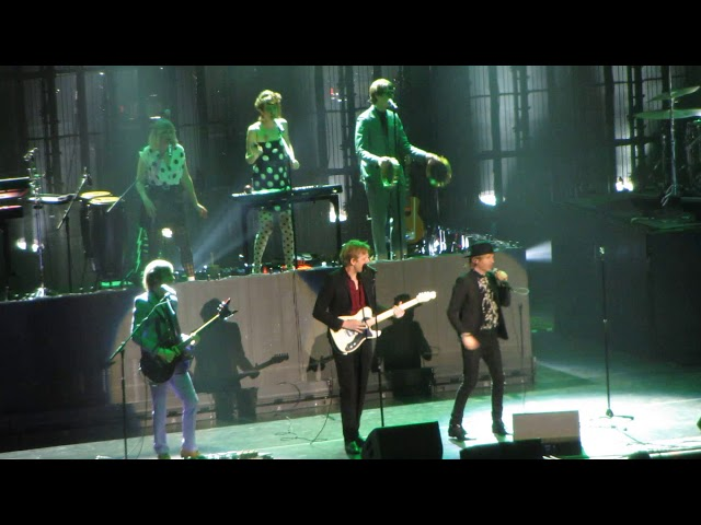 Beck Performs With Britt Daniel And Jenny Lewis At MSG: Watch ...