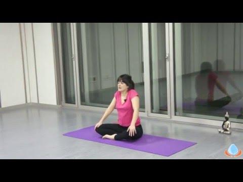 Clase de yoga para principiantes en español- Fortalece y relaja tu cuerpo  -Yogahora - YouTube 43cc7561d00f