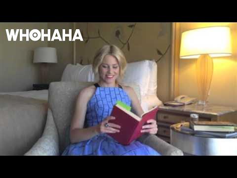 EMILY BROWNING SAYS ELIZABETH BANKS IS UNINVITEDKaynak: YouTube · Süre: 1 dakika44 saniye