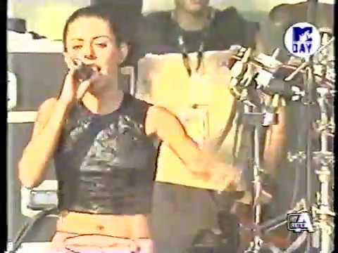 99Posse Ft Speaker Cenzou ft L'Anguilla (Mtv Day 2001)