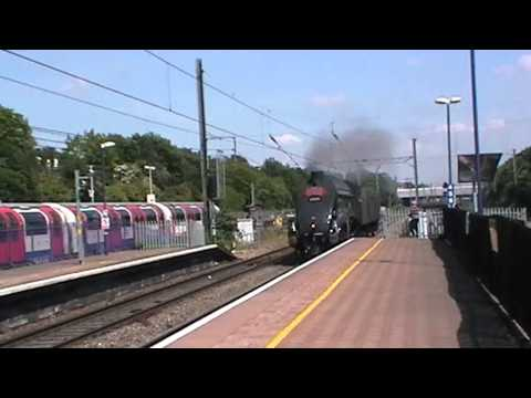 Union Of South Africa '60009' Passes Ealing Broadway 6/6/13