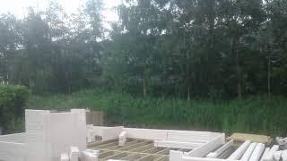 Opbouw van een houten recreatiewoning van Lugarde.