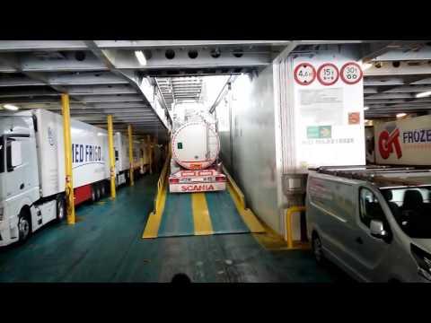 Италия - Заезд на паром ANEK LINES в порту Анконы на MAN TGX480
