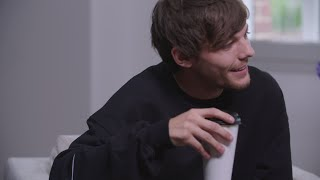 Louis Tomlinson answers the most random fan questions